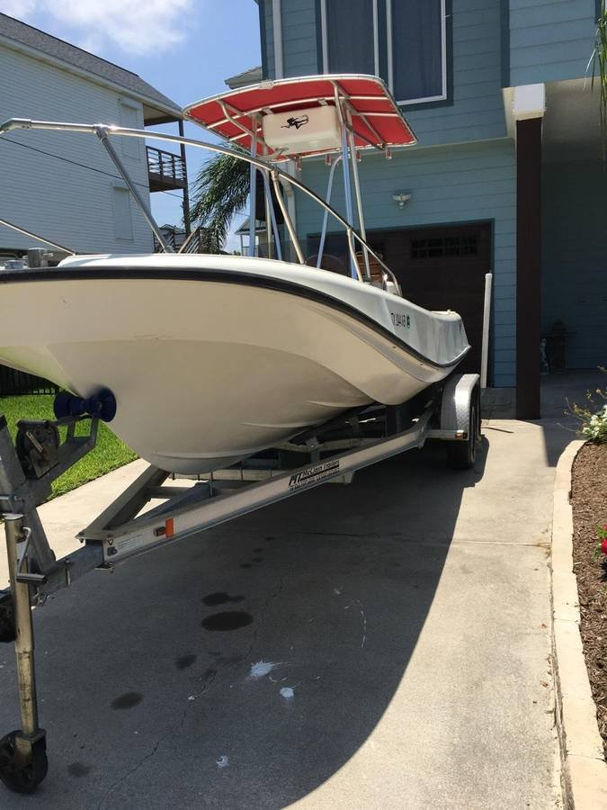 Classic 21' Boston Whaler Outrage - 2CoolFishing