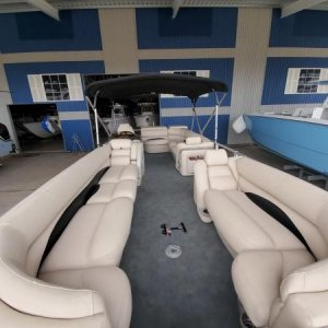 Pontoon boat Completely reupholstered and recarpeted